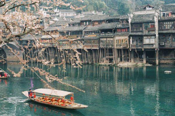 Fenghuang-Hunan-ChinaRoads2