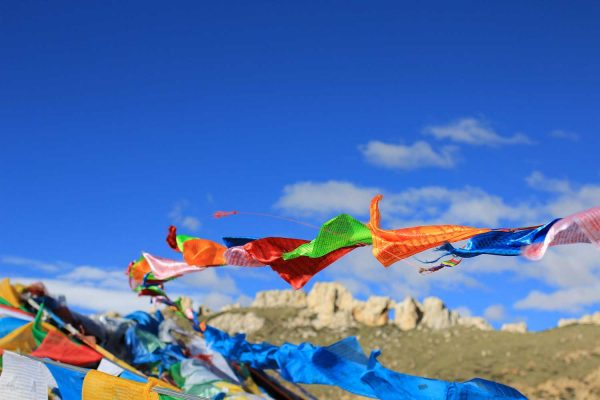 drapeaux-tibet-circuit-chine