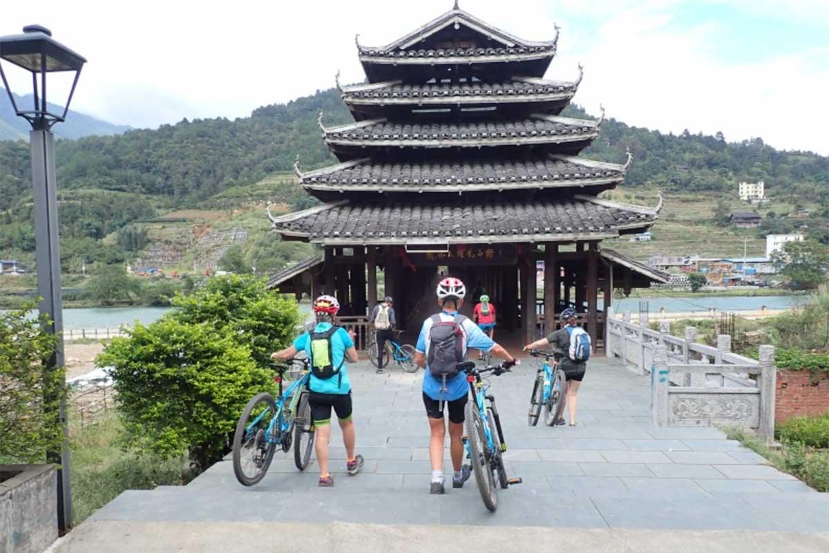 Muriel – Trek vélo : paysages et minorités du Sud de la Chine (17 jours)